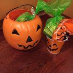 【アメリカ】Halloweenはtrunk or treatやアパートの部屋を回って大量のお菓子をゲット♪